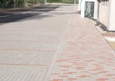 montaz zamkovych chodnikov a parkovacich miest pred objektom A a B1(3)