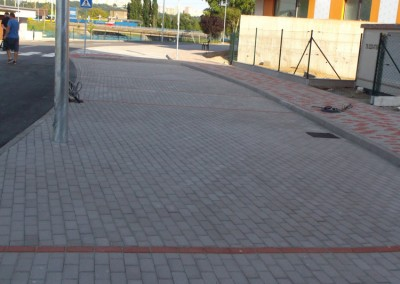montaz zamkovych chodnikov a parkovacich miest pred objektom A a B1(5)