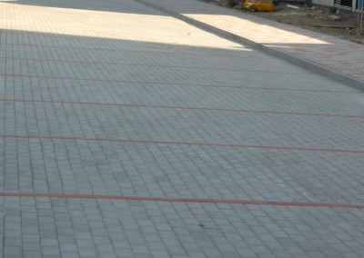 montaz zamkovych dlazieb chodnikov a parkovacich miest pred objektom B2 a B3(2)
